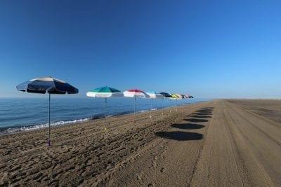 parasol de plage Accessoire de Soleil - parasol pliable sur pied avec housse et antivent